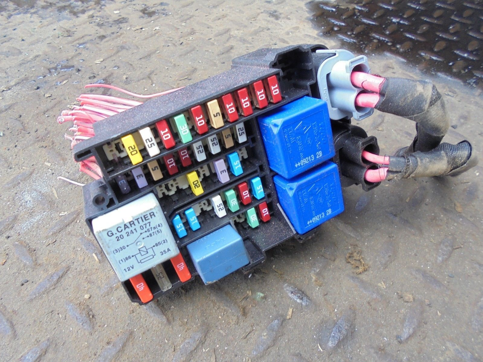 Renault Megane Engine Fuse Box For Sale